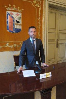 El concejal Julio López