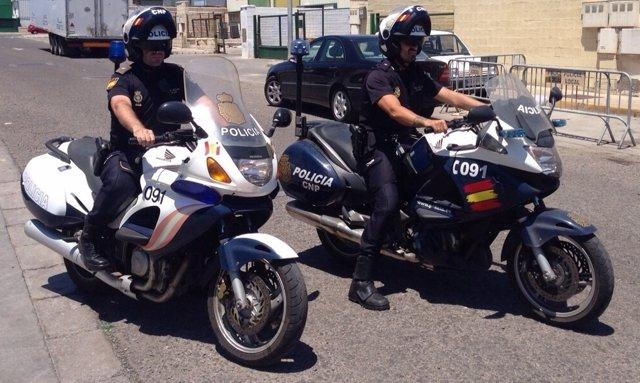 Policías nacionales en Melilla