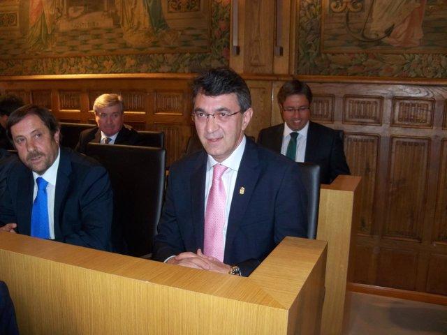 Juan Martínez Majo Momentos Antes De La Investidura.