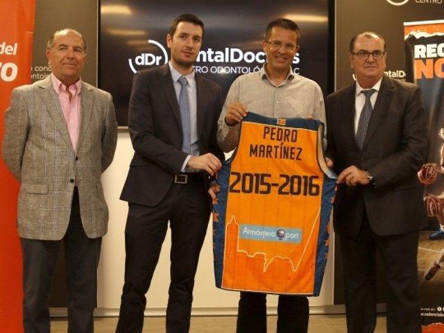 Pedro Martínez, presentado con el Valencia Basket