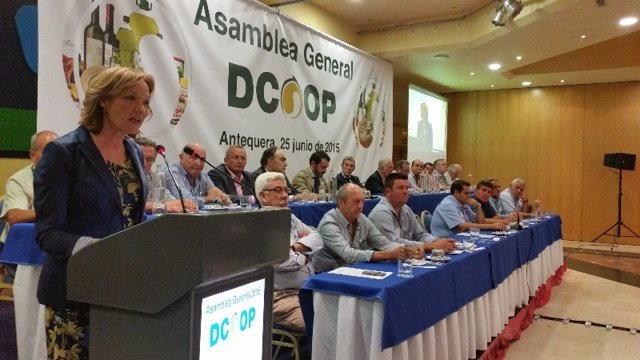 Asamblea de Dcoop con carmen ortiz consejera de agricultura