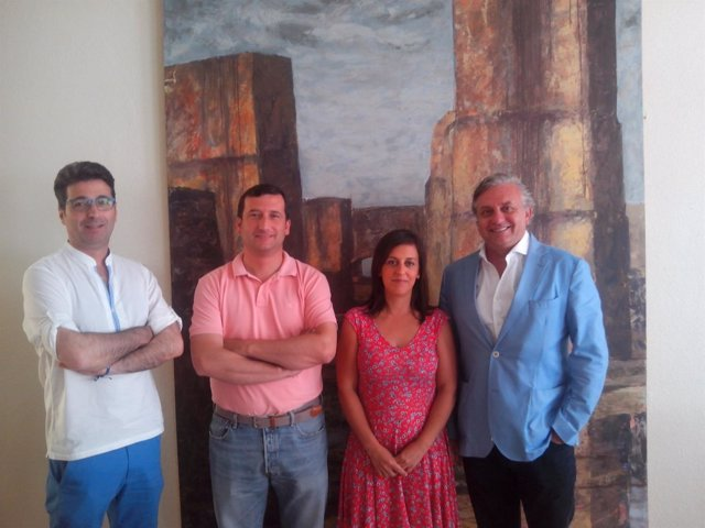 Acuerdo entre el Festival de Cine Iberoamericano de Huelva y Ayto Rociana.