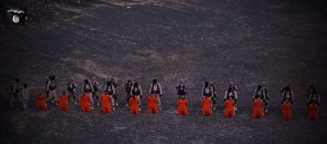 Milicianos de Estado Islámico decapitan a yihadistas rivales en Siria
