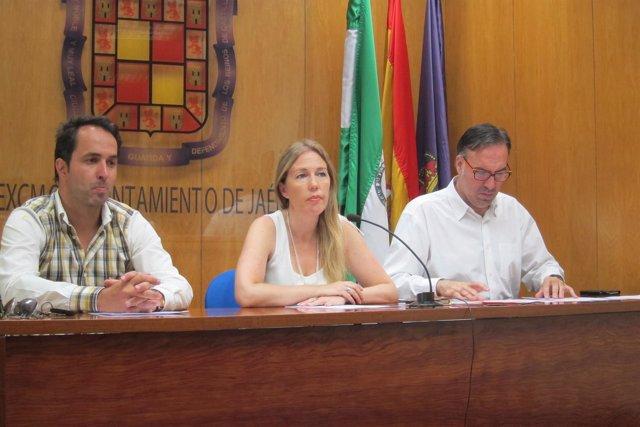Los concejales de C's en Jaén, Iván Martínez, Salud Anguita y Víctor Santiago.