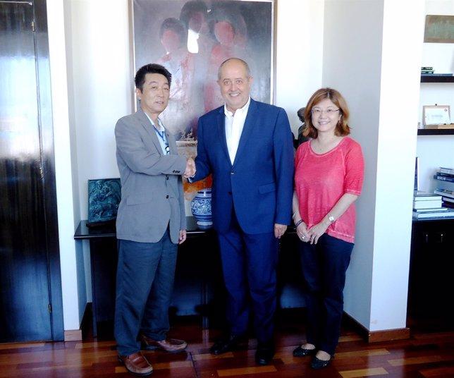 El conseller F.Puig se reúne con directivos de la japonesa Tachi-S