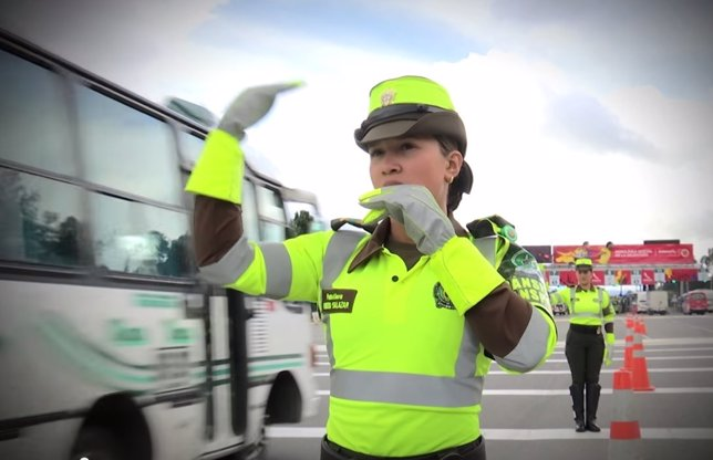 Policía de Colombia a ritmo de reggaetón
