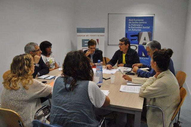 LA reunión de Llamazares con la Red Europea contra la Pobreza.