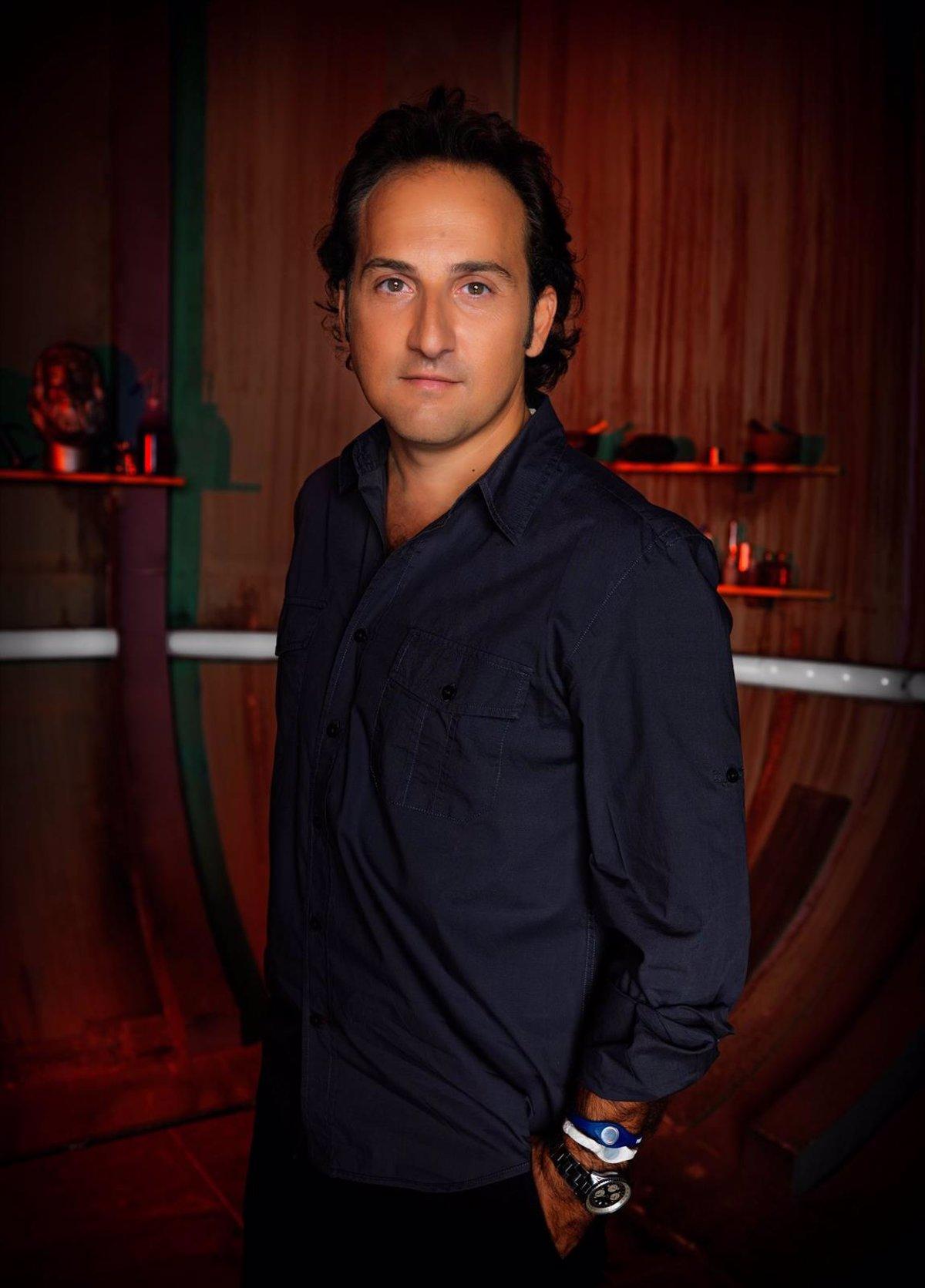 Iker Jiménez renueva con Mediaset