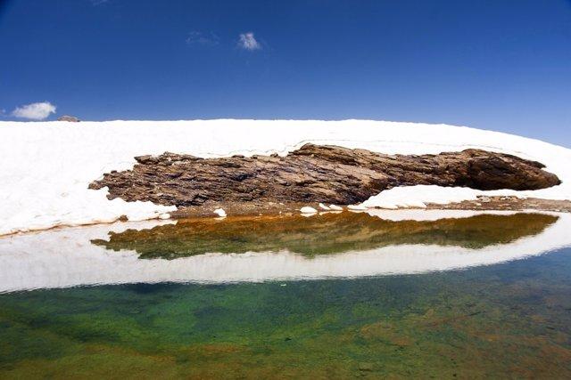 Laguna de Sierra Nevada