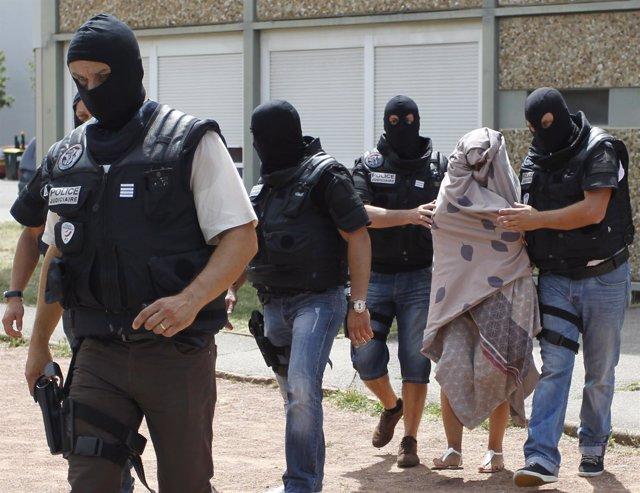 La policía francesa detiene a una persona por el atentado de Isère