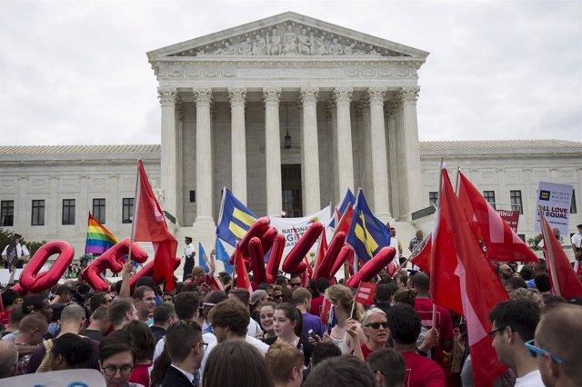 Celebran decisión Supremo de EEUU sobre matrimonio homosexual