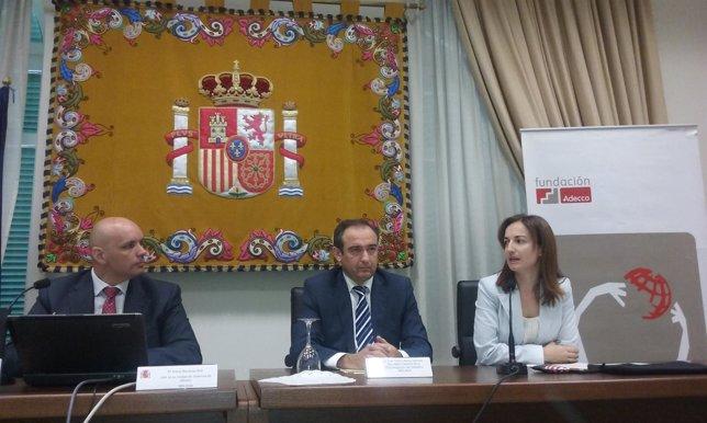 Luis Abreu, secretario general de la Subdelegación de Gobierno, en unas jornadas