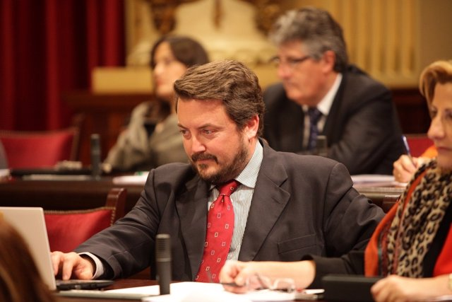 Antoni Camps en el pleno