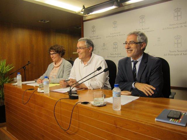 Por la izquierda, Pulgar, Orviz y Llamazares.