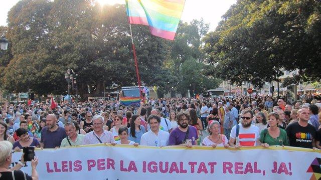 Cabecera de la manifestación del Día del Orgullo LGTB 2015 en Valencia