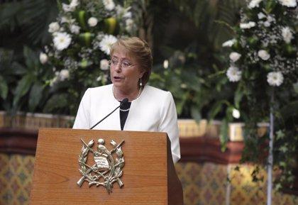 Bachelet cambia al ministro de Educación para impulsar su reforma educativa