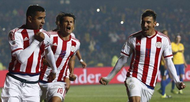 Derliz Gonzalez celebra su gol ante Brasil