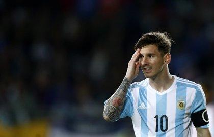 """Messi: """"No merecemos sufrir tanto"""""""