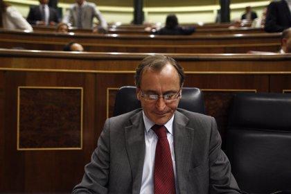 """Alfonso Alonso: """"La muerte del niño con difteria debe servir para creer en las vacunas"""""""