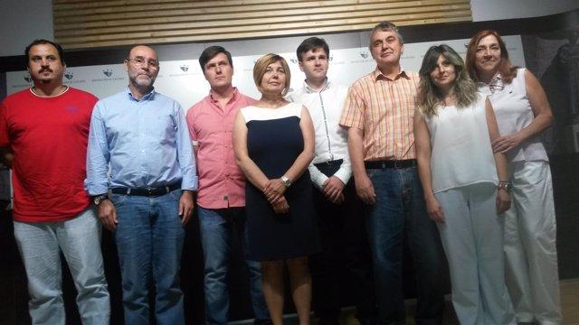 Rosario Cordero con parte de su equipo de Gobieno provincial