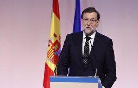 """Rajoy se erige como """"el cambio"""": el reto es """"avanzar o retroceder"""""""