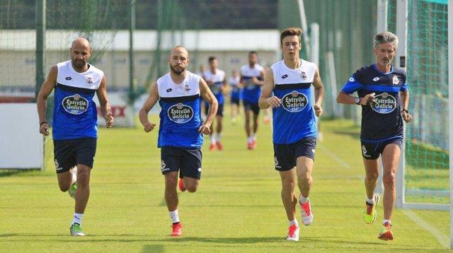 Manuel Pablo, del Deportivo, se entrena con más compañeros