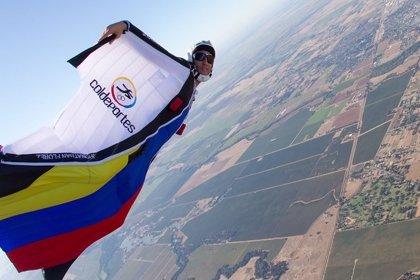 Muere el 'Hombre Pájaro' colombiano mientras realizaba un salto base