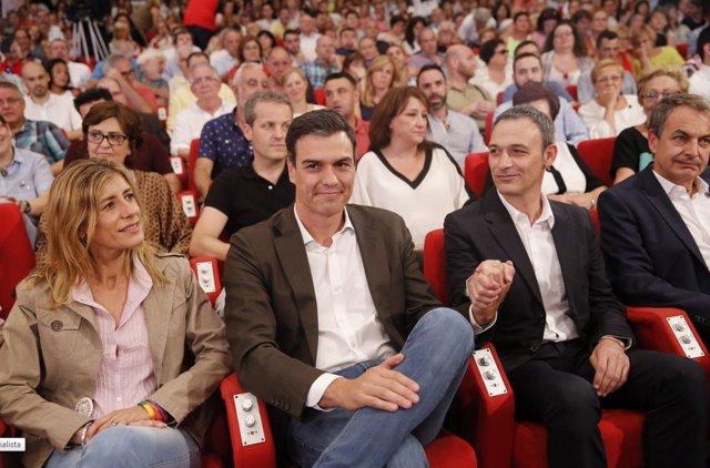 Pedro Sánchez con Jesús Santos, la pareja de Pedro Zerolo y Zapatero
