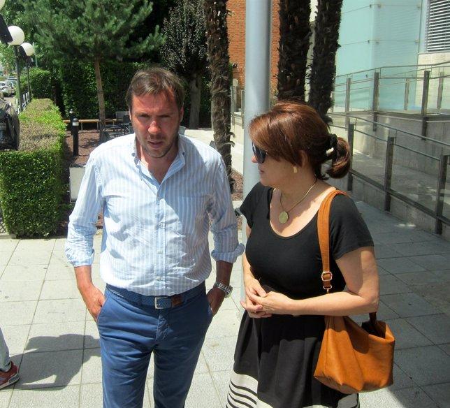 Óscar Puente Y Soraya Rodriguez En El Tanatorio De San José
