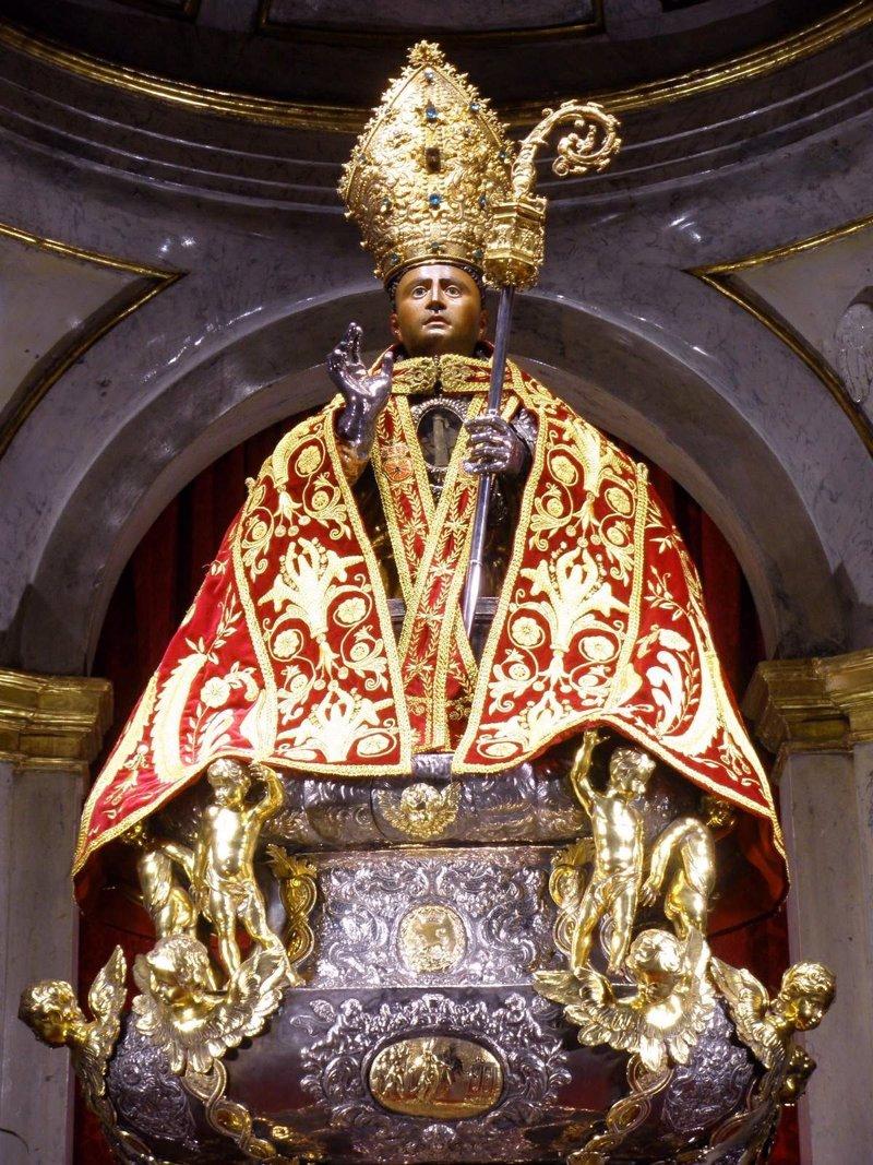 Qui n fue y c mo muri san ferm n for Pisos en san fermin madrid
