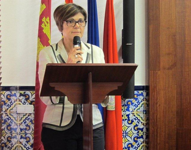 Rosa Peñalver en su primer acto como presidenta de la Asamblea