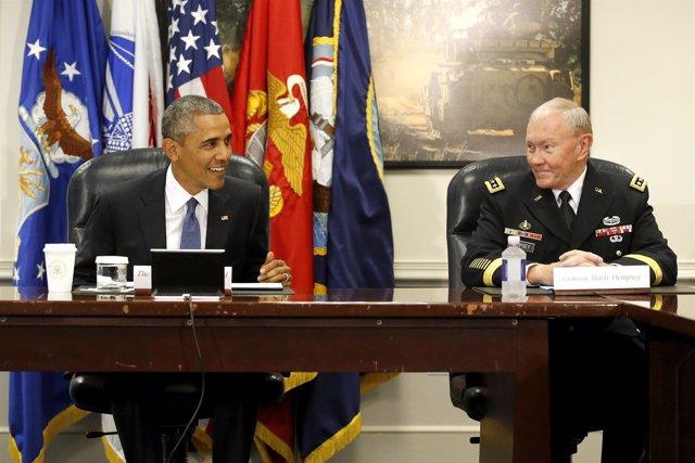 Obama con el general Martin Dempsey