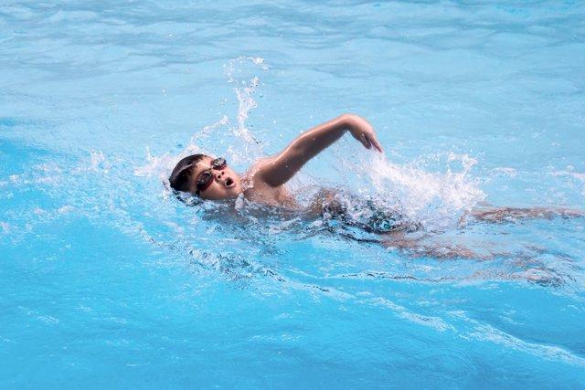 7827b3e1e889 Los beneficios de la natación infantil