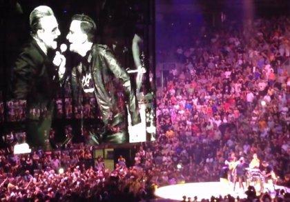 Vídeo: U2 tocan Desire con una banda tributo en su concierto de Toronto