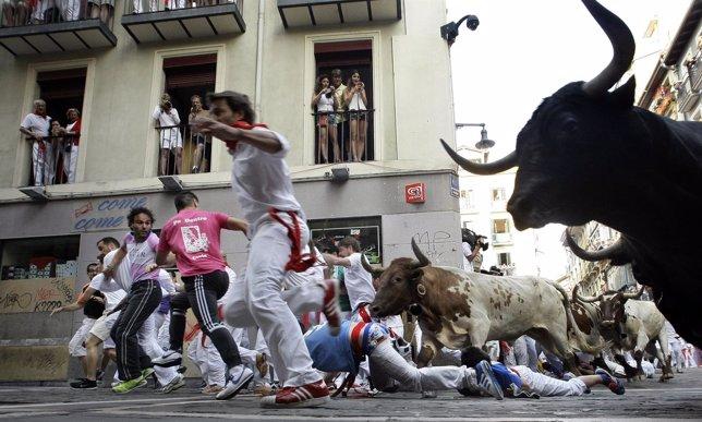 Los toros de la ganadería Victoriano del Río en el encierro de San Fermín en Pam