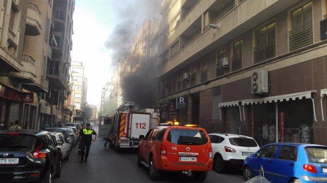 El humo que ha afectado a la calle