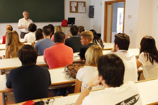 Clase en la Universidad Pablo de Olavide