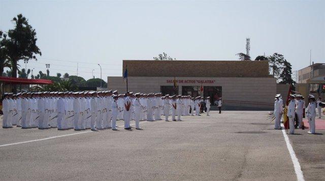 Morenes preside la entrega de Despachos a la LXXVI Promoción de la Armada