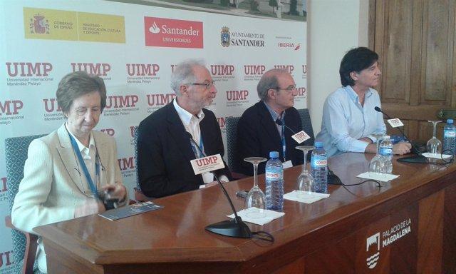 Los participantes en la rueda de prensa