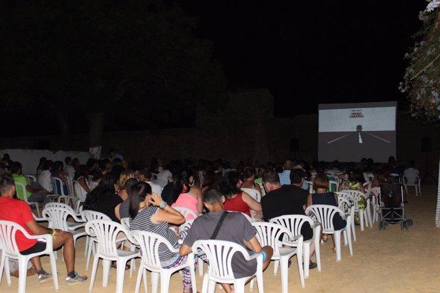 Cine de verano organizado por el Plan Urban en Alcalá de Guadaíra.