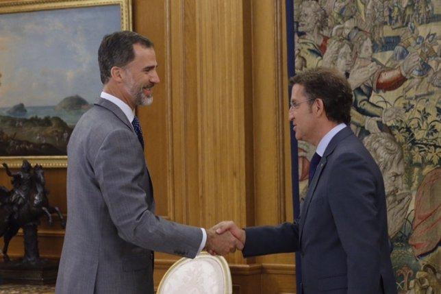 El Rey Felipe VI recibe a Feijóo en Zarzuela