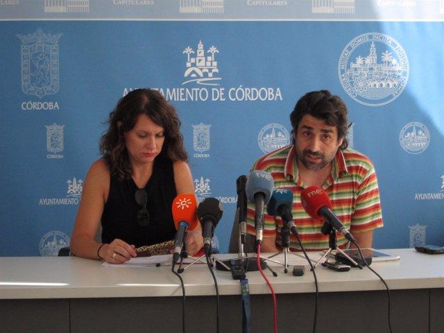 Raquel Castro y Rafael del Castillo en la rueda de prensa
