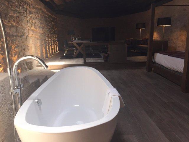 Una de las habitaciones del nuevo hotel balneario
