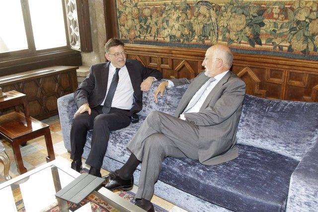 Ximo Puig y Juan Roig mantienen un encuentro en el Palau.