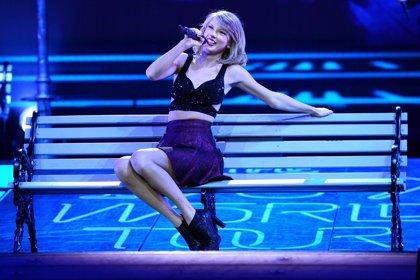 Taylor Swift dona 50.000 dólares a una fan de 11 años enferma de leucemia