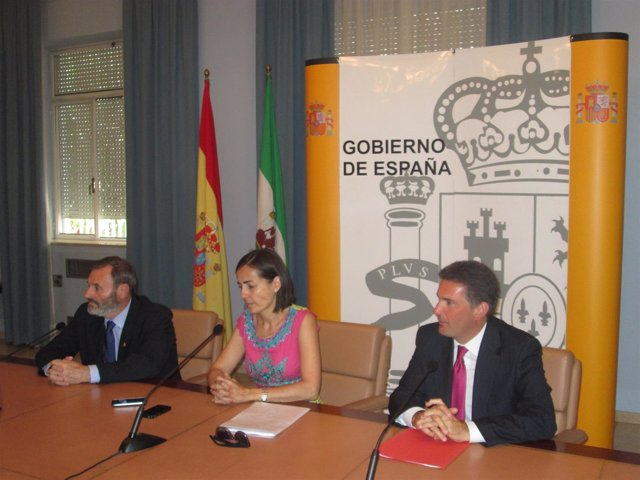 La directora general de Tráfico, María Seguí, en su visita a la Subdelegación