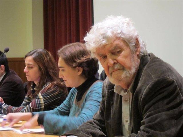 Xosé Manuel Beiras y Ada Colau en diciembre de 2014 en Santiago