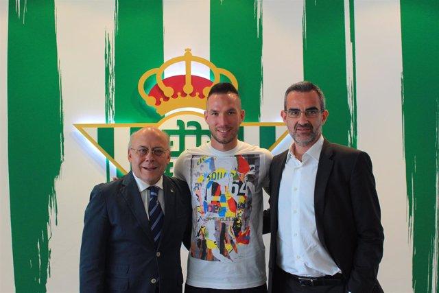 El francés Didier Digard, nuevo jugador del Real Betis