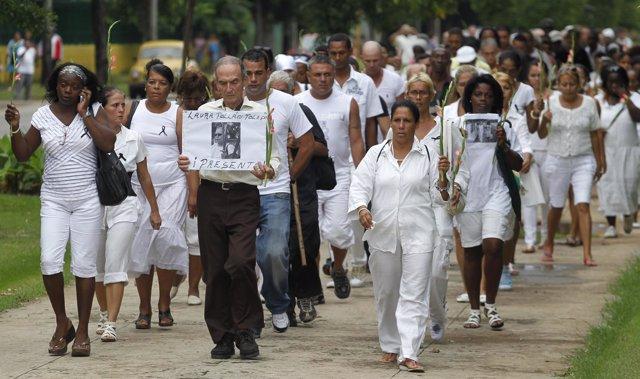 Manifestación De Las Damas De Blanco, En Cuba