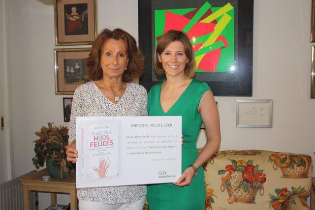 Josefina Sánchez, presidenta y Silvia Álava, la autora